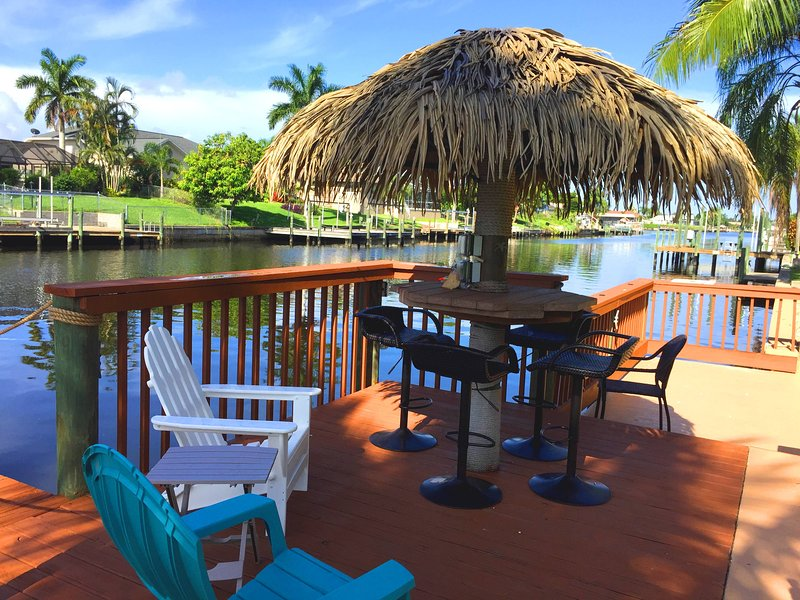 Sip cocktails on your own tiki dock in this Stunning luxury gulf access villa! - Cape Escape OASIS Luxury Gulf access Estate Villa - Cape Coral - rentals