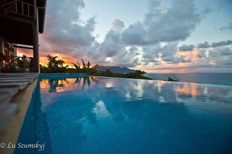 Sunset along the coast - Villa PassiFlora Dominica - Calibishie - rentals