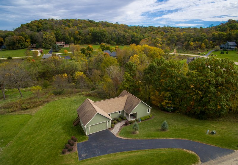 Nestled in beautiful Cogan Valley this home will afford you great views and tons of Galena memories. - ~ 3 BR Home with Outdoor Hot Tub, Pool Table, Fire - Galena - rentals