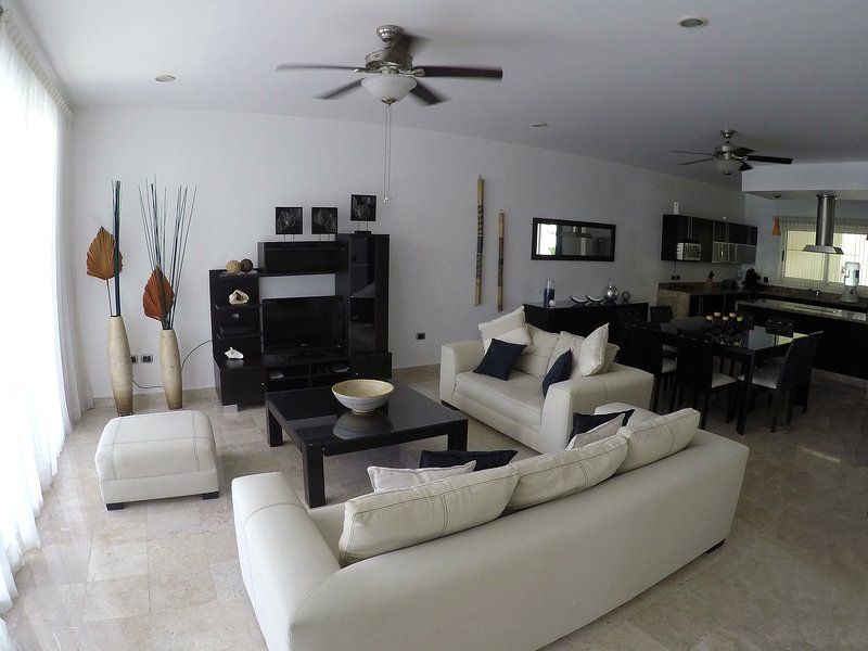Apartments Livingroom - Best Price and Best location at Playa Del Carmen - Playa del Carmen - rentals