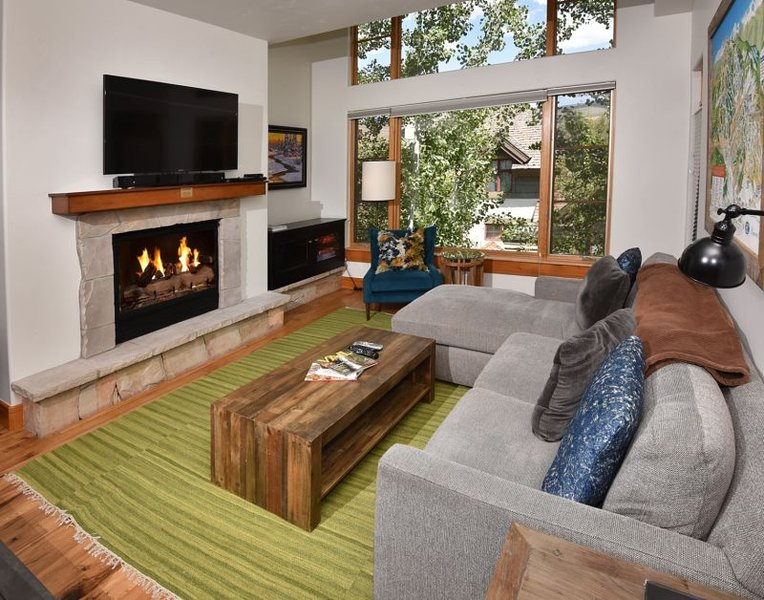 Hit the ski slopes on the nearby Arrow Bahn Express Lift from this 3 bedroom Ski-In Ski-Out vacation condo. - Image 1 - Vail - rentals