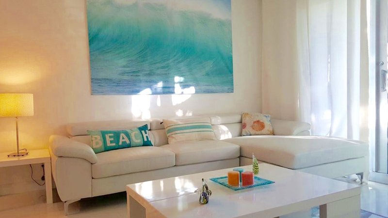 Beautiful Condo in Hollywood Beach - 2 Bedrooms - Image 1 - Hollywood - rentals