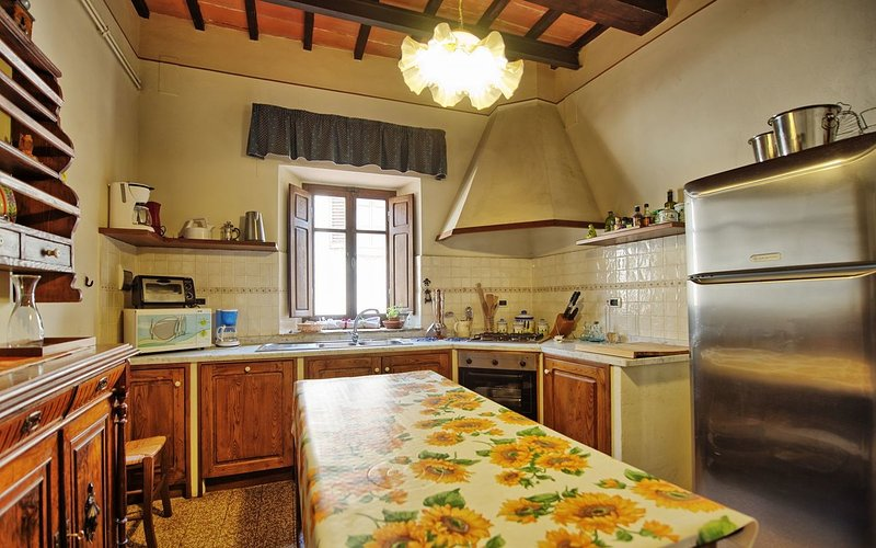 Large Villa with a Private Pool in Tuscany Near a Train to Arezzo - Villa Il Cortile - Image 1 - Capolona - rentals