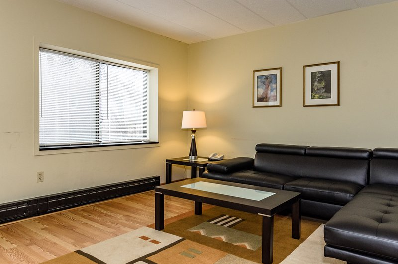 2 Bedrooms Apartments near Harvard Square Cambridg - Image 1 - Cambridge - rentals