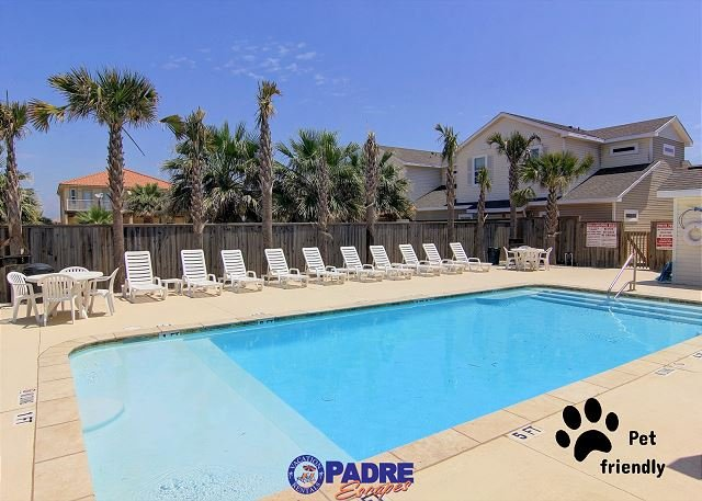 Sparkling saltwater pool that is heated for year-round enjoyment - Pet-friendly Townhouse Close to the Beach! Perfect summer Vacay Property! - Corpus Christi - rentals