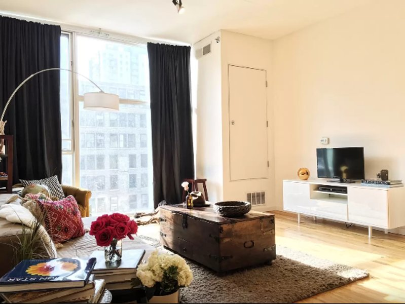Furnished 1-Bedroom Condo at W Ontario St & N Franklin St Chicago - Image 1 - Chicago - rentals