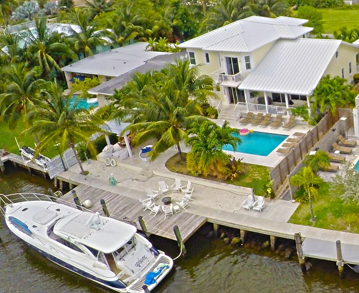 Luxury 5 Bdrm, 7 Bed home with optional use of Private Yacht. - 5br South Beach Estate With Waterfront And Pool - Miami Beach - rentals