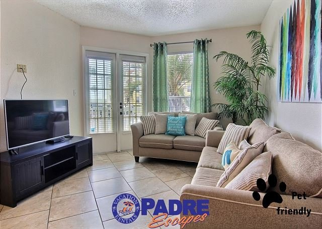 Spacious and comfy living area - Beachcomber is a cozy 1 bedroom condo just steps off the beach - Corpus Christi - rentals