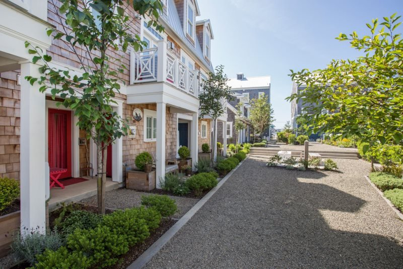 Front of Ospreys Perch, shared courtyard - Ospreys` Perch - Pacific Beach - rentals