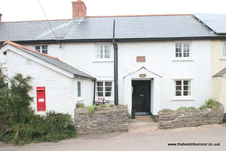 Syms Cottage, Cutcombe - Characterful and cosy cottage sleeping up to 4 on Exmoor - Image 1 - Wheddon Cross - rentals