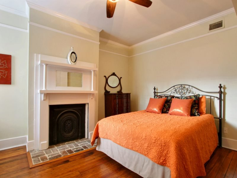 Sleeps 6, Walk Everywhere, Historic District - Image 1 - Savannah - rentals