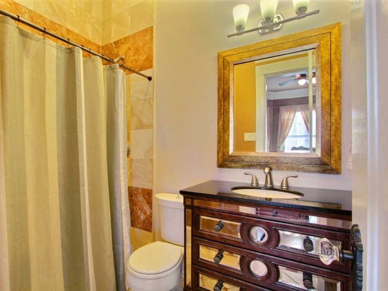 Great Savannah vacation home with courtyard centrally located in the Savannah Historic District and by Forsyth Park - Image 1 - Savannah - rentals