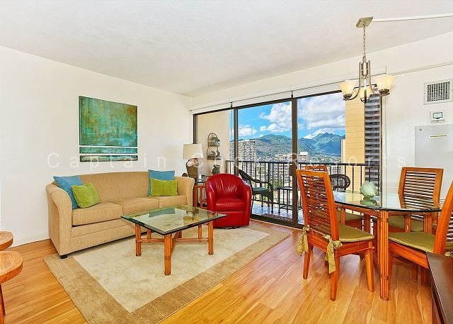 FOUR PADDLE Mountain view with full kitchen, AC, washer/dryer, WiFi, parking. - Image 1 - Waikiki - rentals