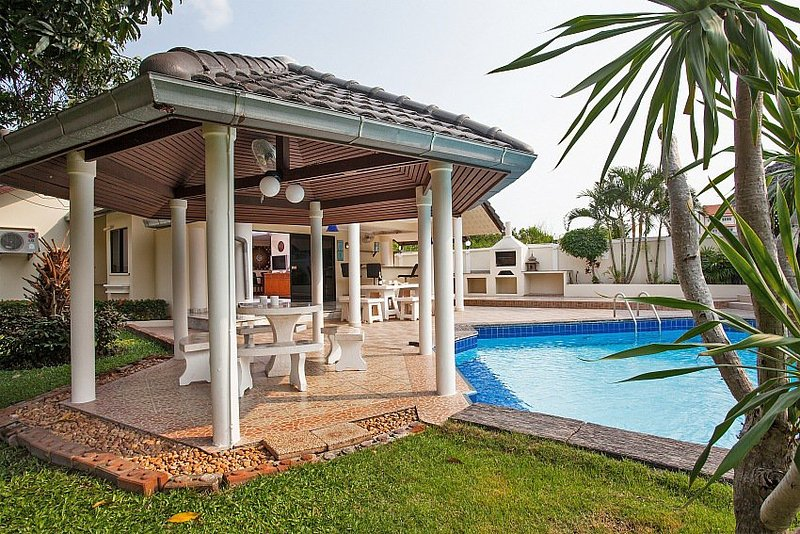 Spacious villa near Walking Street - Image 1 - Pattaya - rentals