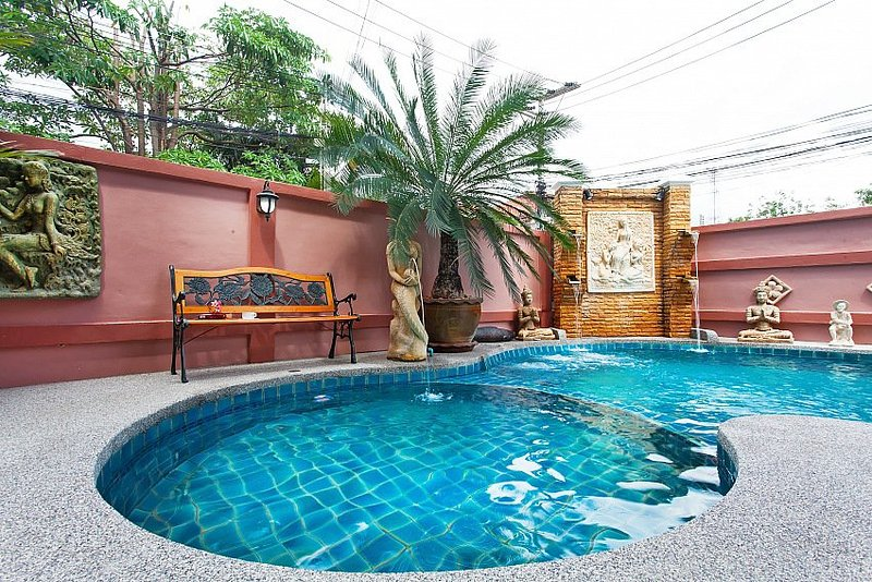 4 bed pool villa 1km to beach - Image 1 - Jomtien Beach - rentals