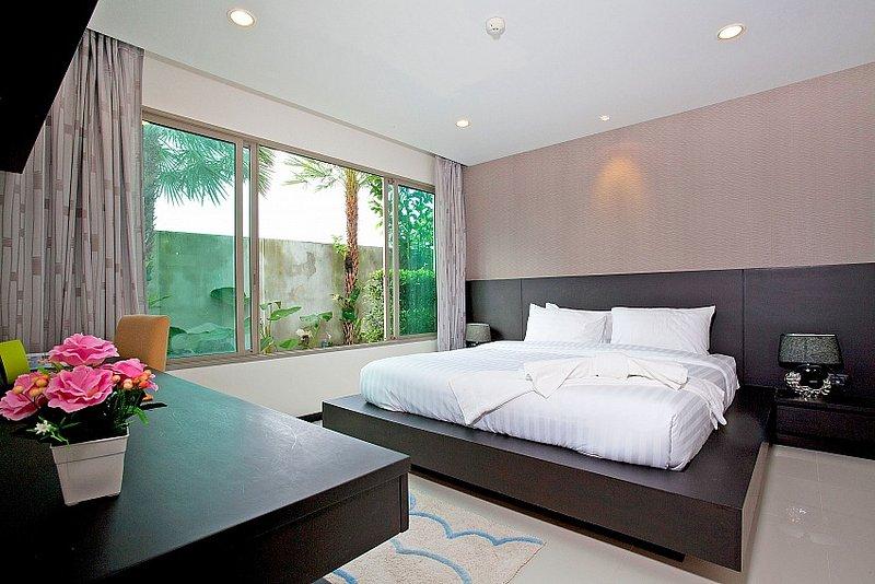 Chic 1 bed condo at Kamala Beach - Image 1 - Kamala - rentals
