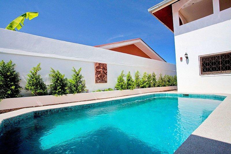 Quiet 5 bed villa in East Pattaya - Image 1 - Pattaya - rentals