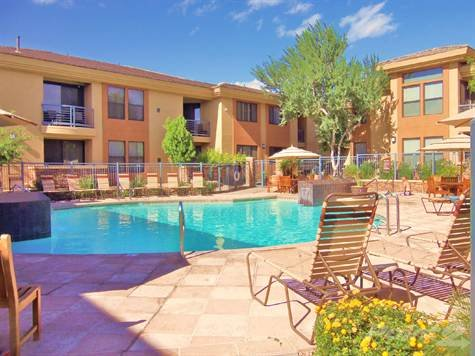 main pool - Resort style Fantastic Condo, 2 pools, hot tub,gym - Scottsdale - rentals