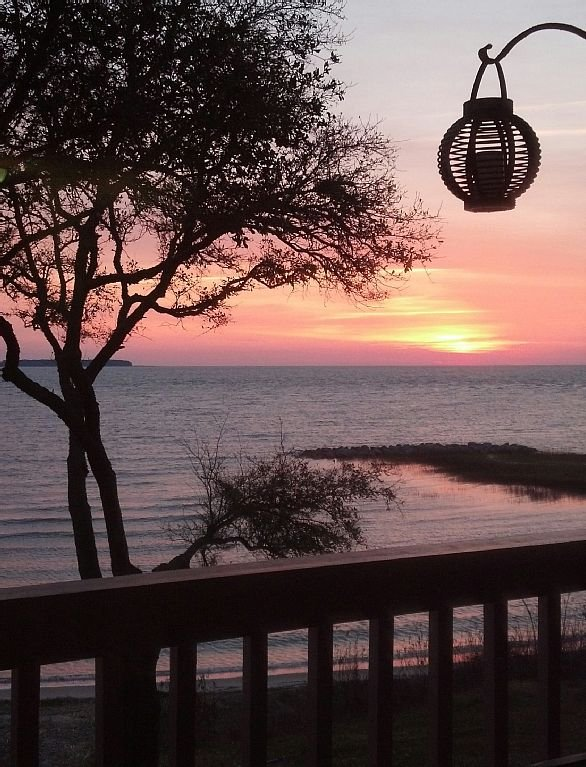 Imagine waking up to  a colorful sunrise from your private balcony. Paradise! - Oceanfront Villa, Romantic Retreat, Awesome Views - Hilton Head - rentals