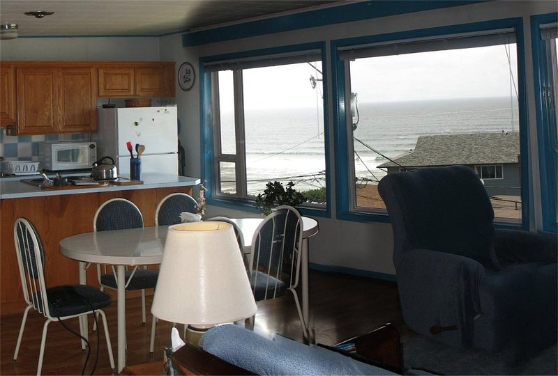 B&K's Lincoln City Condo - Ocean View - B&K's Condo - Home at the Beach - Beach/Ocean View - Lincoln City - rentals