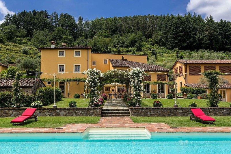 Lucca Estate - Villa Classica Luxury house rentals near Lucca - Image 1 - Capannori - rentals