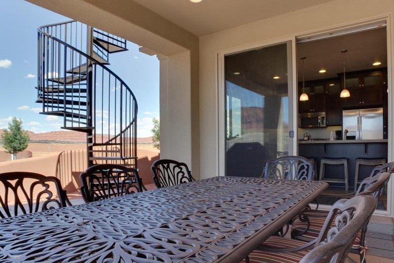 New home in resort community - private pool/hot tub & more! - Image 1 - Santa Clara - rentals