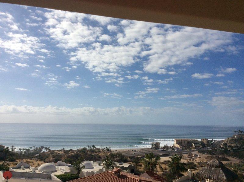 Beautiful day with a nice swell - Casa Terazza Costa Azul # 1 - San Jose Del Cabo - rentals