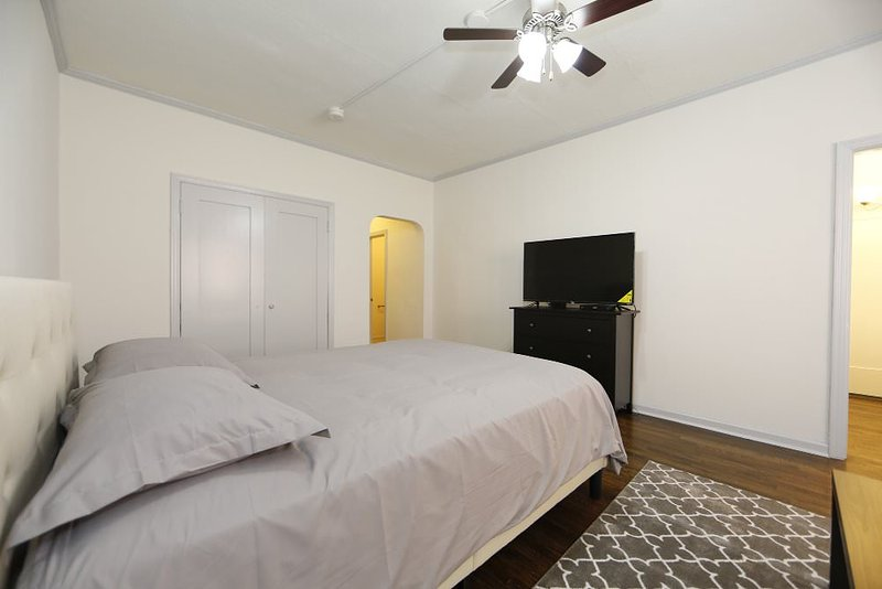 Furnished Studio Apartment at Yucca St & N Cherokee Ave Los Angeles - Image 1 - Los Angeles - rentals