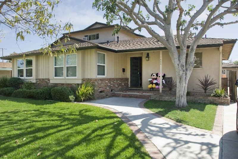 Fun home w/private pool & hot tub - half-mile from Disneyland w/Disney interior! - Image 1 - Anaheim - rentals