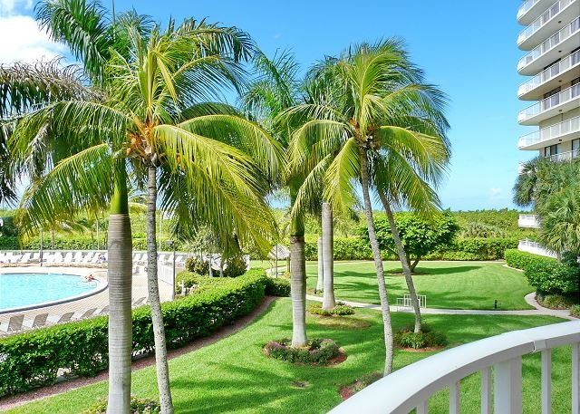 Ideally situated beachfront condo w/ heated pool & two separate balconies - Image 1 - Marco Island - rentals