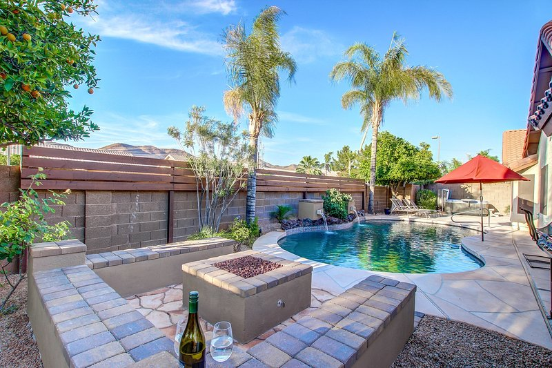 AMAZING LOCATION- POOL/HOT TUB/FIRE/LAWN BOWL - Image 1 - Scottsdale - rentals