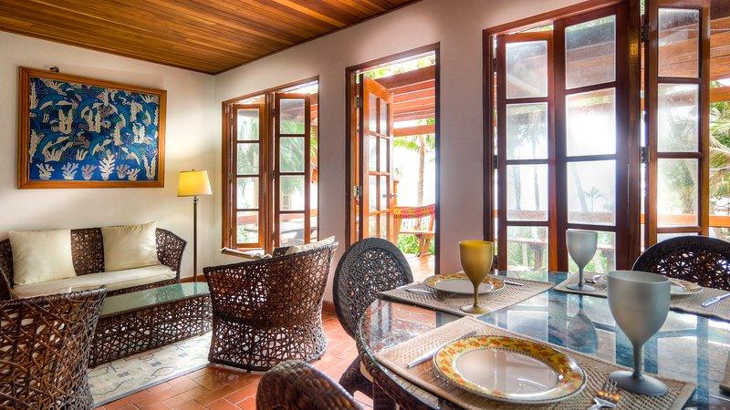 Ample living room - Contadora - Direct beach access and pool - Contadora Island - rentals