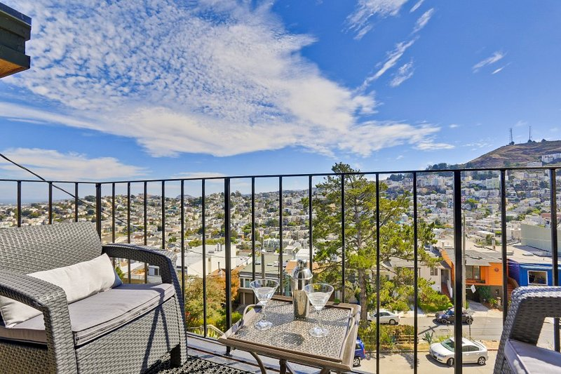 Furnished 3-Bedroom Flat at Lower Terrace & Levant St San Francisco - Image 1 - Forest Knolls - rentals