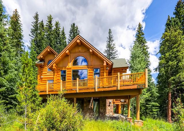 Clifton Lodge - Custom Luxury Log Home Situated on 4 O'clock Run - Ski-in/Ski-out! - Breckenridge - rentals