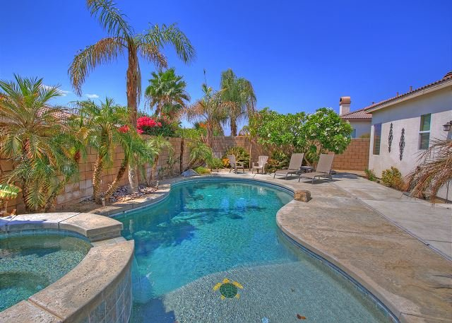 4 Bedroom home with lots of extra amenities for the entire family - Image 1 - La Quinta - rentals