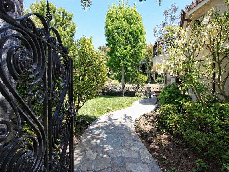 Spectacular & Private Irvine, Turtle Rock - Image 1 - Irvine - rentals