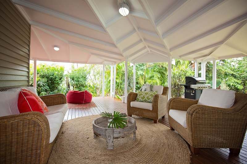 Verandah Breeze - Outdoor Sitting  - Verandah Breeze - Mission Beach - rentals