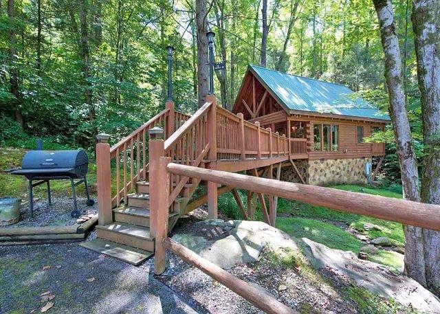 A perfect name for a perfect retreat - Simply Unforgettable   Bonus Loft Pool Table Pets Hot Tub  Free Nights - Gatlinburg - rentals