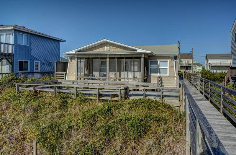 ELLINGTON - By the Sea - Image 1 - Topsail Beach - rentals