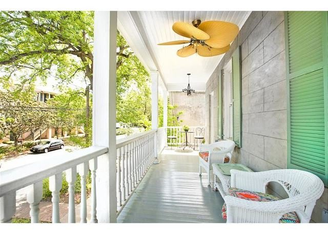 Sip your cold sweet tea on the front veranda. - Bright 2 Bedroom Close to Forsyth Park - Savannah - rentals