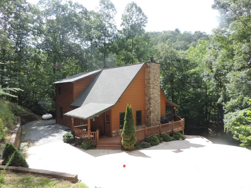 Welcome to River's Bend! - Riverfront - Wi/Fi - Hot tub - Game room! - Ellijay - rentals