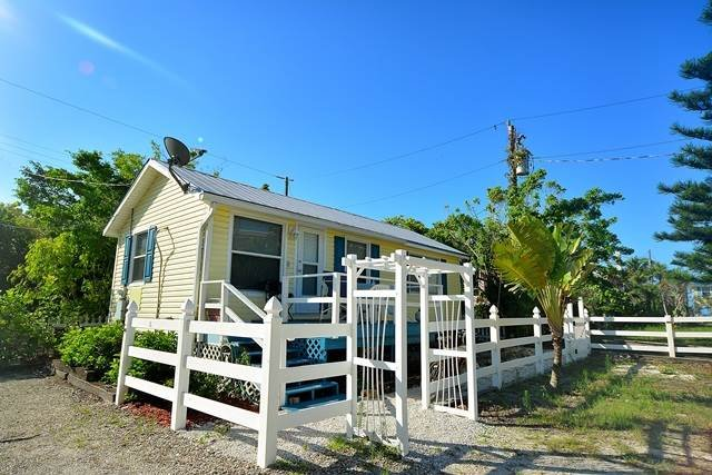 BANYAN COTTAGE - Image 1 - Fort Myers Beach - rentals