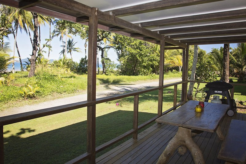 Bev's On The Beach - Verandah - Bev's on the Beach - Mission Beach - rentals