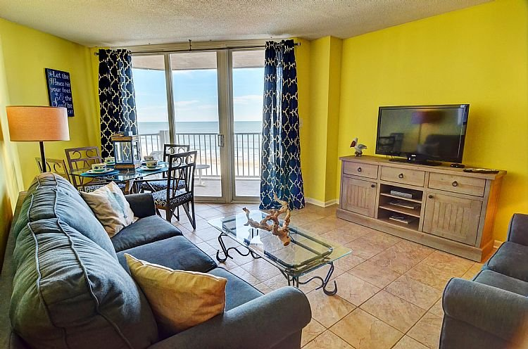 Great Room - St. Regis 2610 - SAVE UP TO $150 - Beach Front w/ Pool and On-site Resturant - North Topsail Beach - rentals
