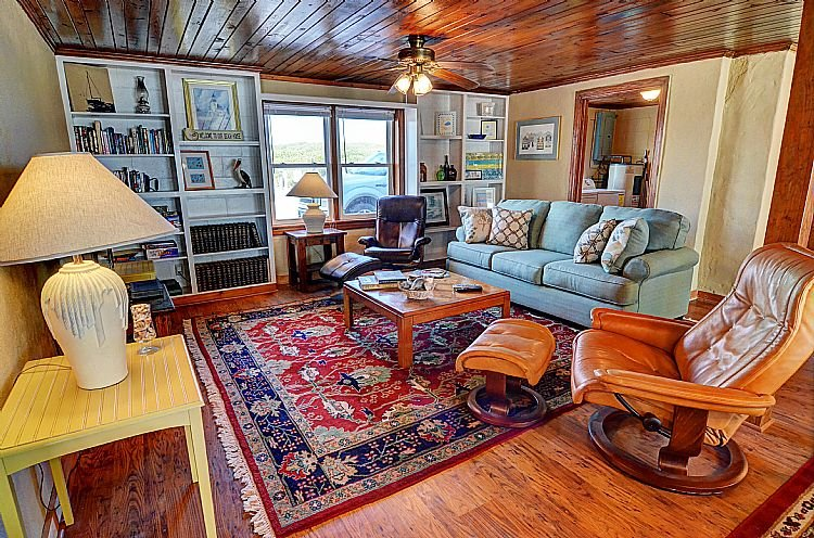Great Room - Emotional Rescue Down - Breathtaking Ocean View, Stylishly Updated, Pet Friendly - Topsail Beach - rentals