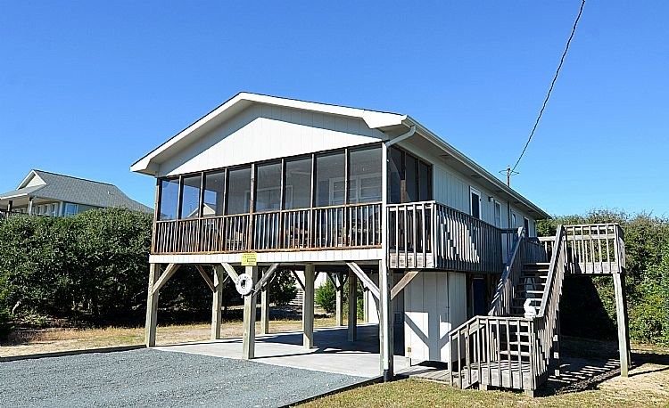 Street Side Exterior - Merri-Mac - Darling Little Cottage, Screened Deck, Near Shops & Restaurants - Surf City - rentals