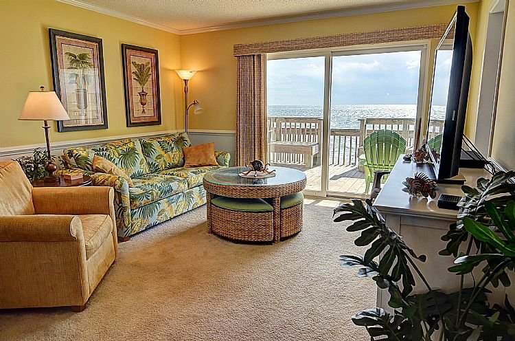 Living Room - Queen's Grant A-102 -  Oceanfront, Pool, Hot Tub, Boat Ramp & Dock - Topsail Beach - rentals