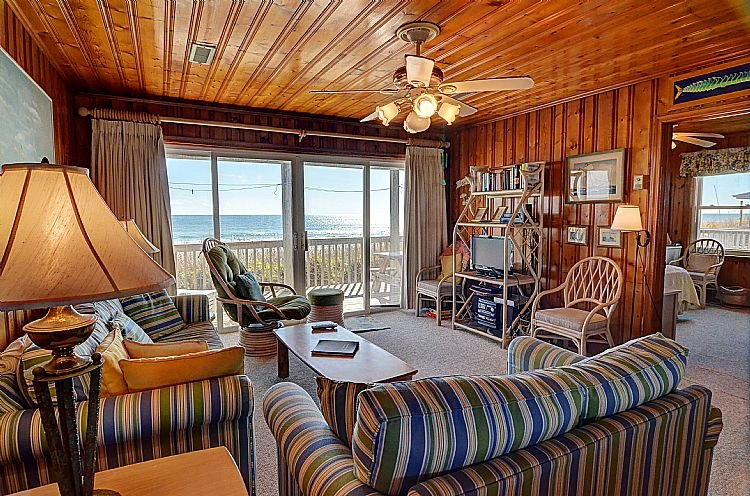 Living Room - Dot's Spot - Wonderful Ocean View, Character & Charm, Direct Beach Access - Surf City - rentals