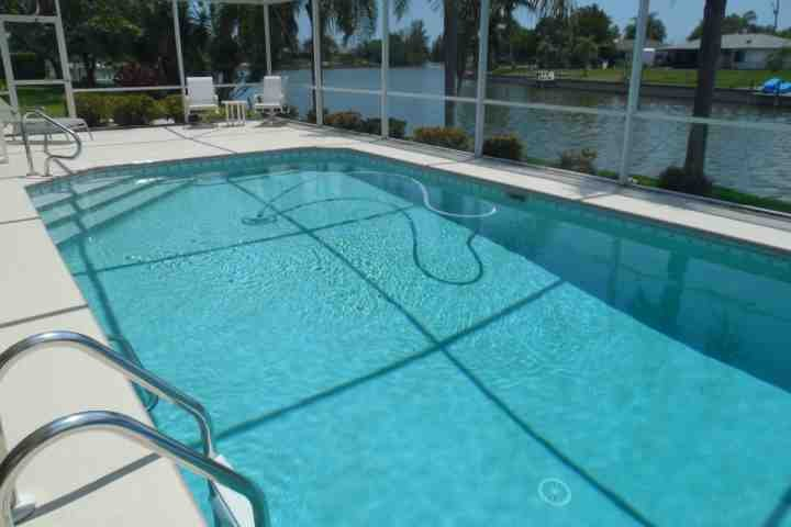 Gorgeous Pool on Fresh water canal - Cape Coral Canal Beauty - Cape Coral - rentals