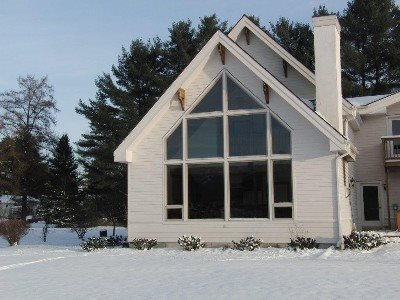 Large, luxury home with magnificent Mt. Mansfield views! 3,000+ sq.ft with ping pong, 1 car garage - Image 1 - Stowe - rentals
